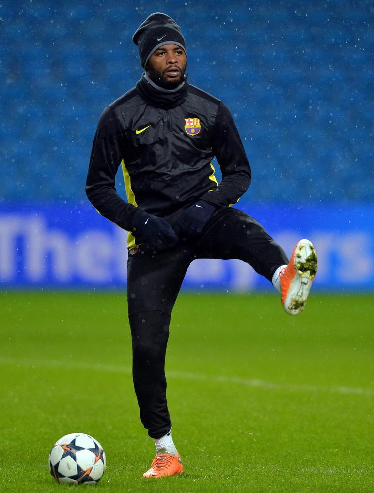 Manchester United on alert as Arsenal-loving Alex Song looks to life after Barcelona