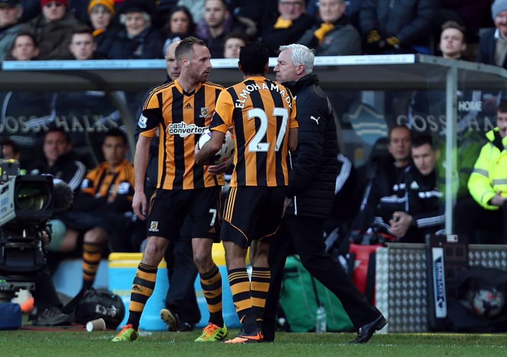 Newcastle boss Alan Pardew sent off after headbutting Hull's David Meyler