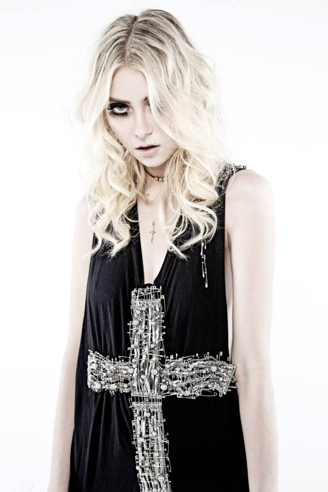 Taylor Momsen: I definitely don't try to cause controversy…