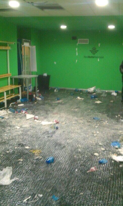 Sevilla celebrate beating Real Betis by allegedly trashing dressing room