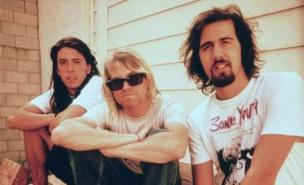Nirvana's set at Reading in 1992 will be re-shown at Reading and Leeds Festivals 2011.