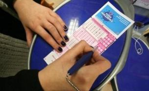 Brits will once again be scrambling for Euromillions tickets. (PA)