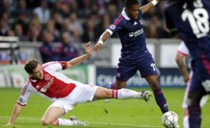 Jan Vertonghen (left) is a target for Spurs (AFP/Getty Images)