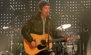 Noel Gallagher was surprised by an audience member in Indianapolis (PA)