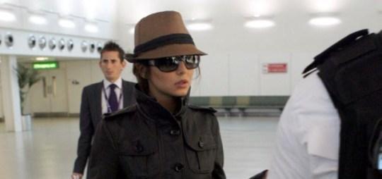 Cheryl Cole lands in the UK for divorce talks