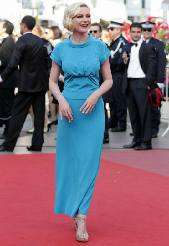 Kirsten Dunst wore a bright blue dress (Photo: Getty Images)