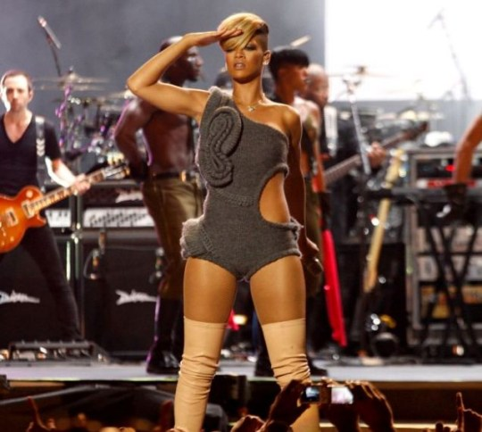 Rihanna performs in a knitted leotard (Photo: Rex Features)