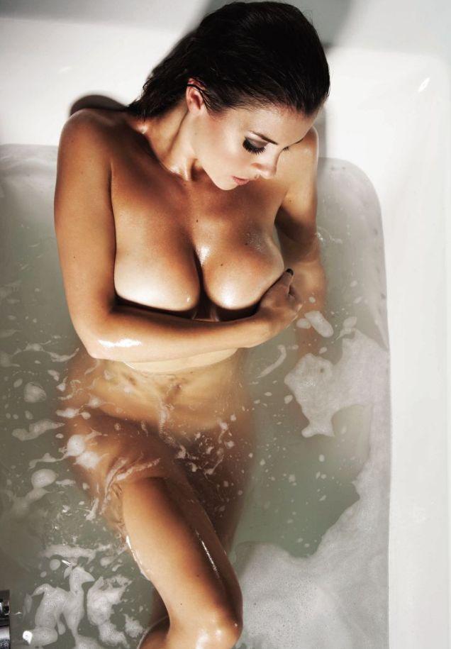 Nicole simpson nude pics