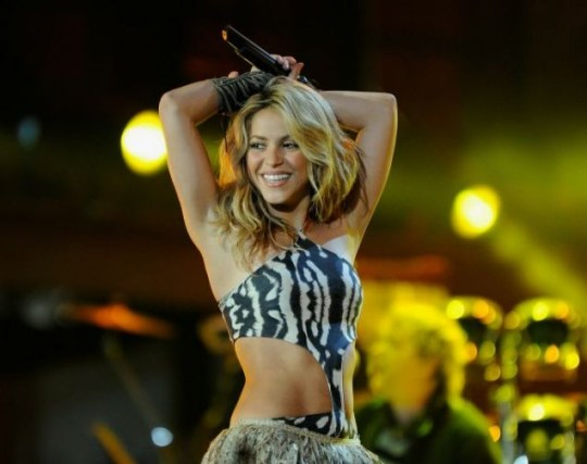 Shakira performs in a skimpy outfit (Photo: Getty Images)
