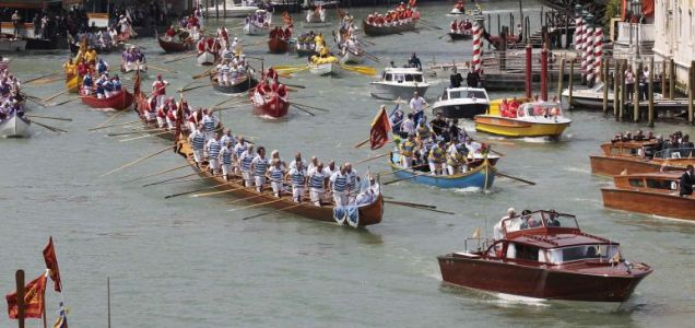 Pope Benedict Venice gondola Grand Canal immigrants two-day visit