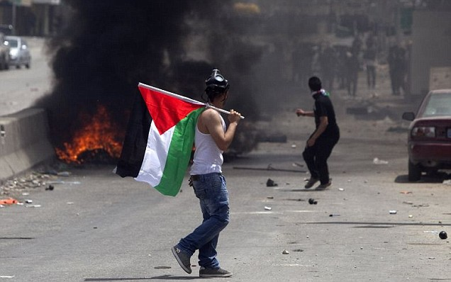 Palestinian protesters clashed with Israeli troops on Sunday