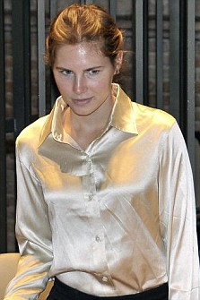 Amanda Knox arrives at the Perugia court on Saturday