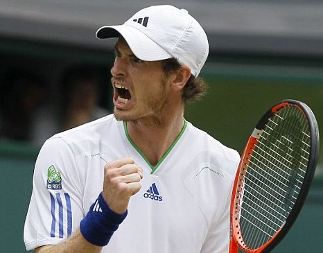Andy Murray beats Richard Gasquet at Wimbledon 2011