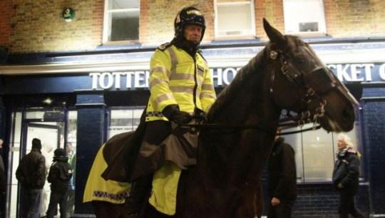 Bernard Hogan-Howe, mounted branch, Metropolitan police