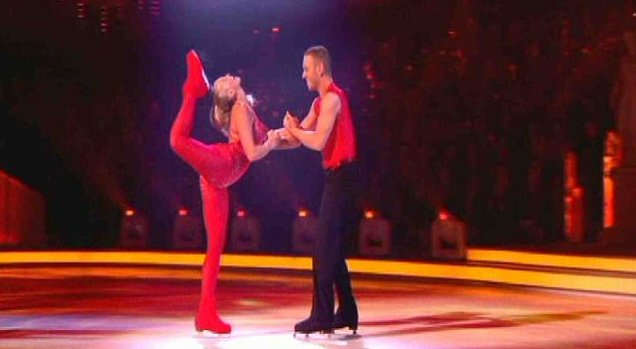 Jennifer Ellison's scorpion kick draws blood during the Dancing On Ice live show (Picture: ITV)