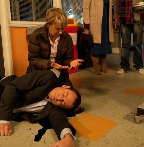 Sally Webster was recently found standing over Frank Foster's dead body in Corrie (Picture: ITV)