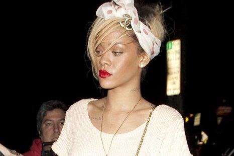 Ashton Kutcher dating Rihanna Internett dating i Malawi