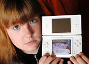 Khloe Leslie with Nintendo DS