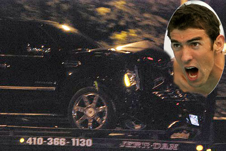 Michael Phelps car was badly damaged in the accident