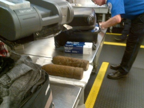 Teenagers smuggle WWI bombs on a Heathrow jet bound for Chicago