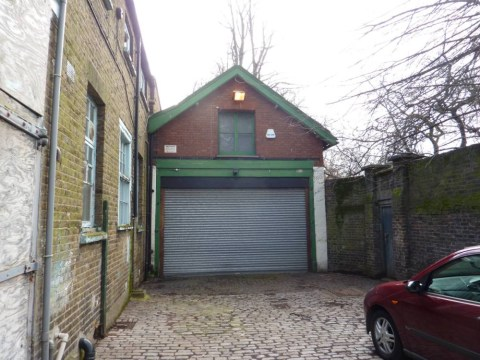 Location, location, lo…how much?! Tiny garage in London sells for £550k