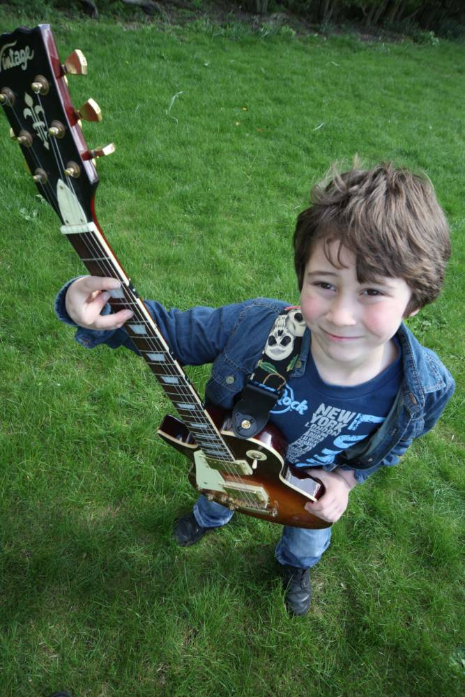 Boy, five, masters the guitar thanks to Rocksmith PlayStation game