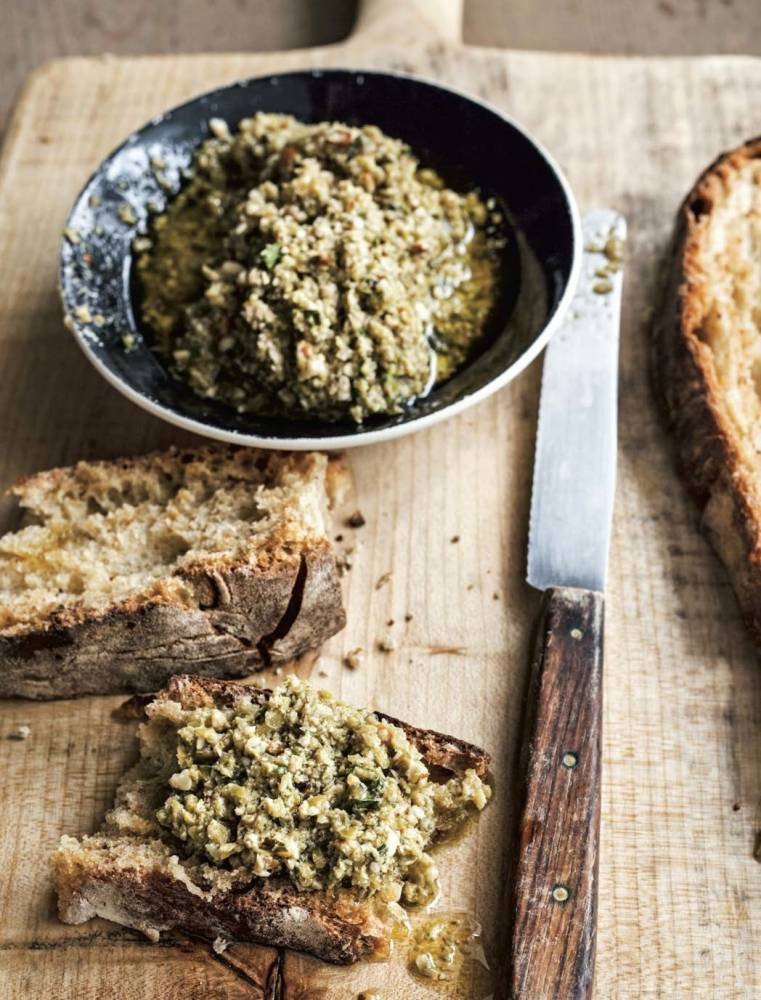 How to cook Green olive, basil, and almond tapenade