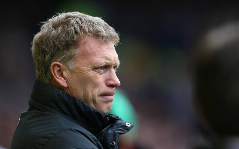 LIVERPOOL, ENGLAND - APRIL 20:  David Moyes manager of Manchester United looks on during the Barclays Premier League match between Everton and Manchester United at Goodison Park on April 20, 2014 in Liverpool, England.  (Photo by Alex Livesey/Getty Images)