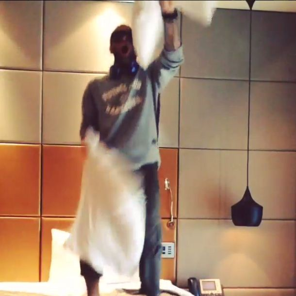 Barcelona's Dani Alves prepares for Atletico Madrid match by dancing on hotel bed