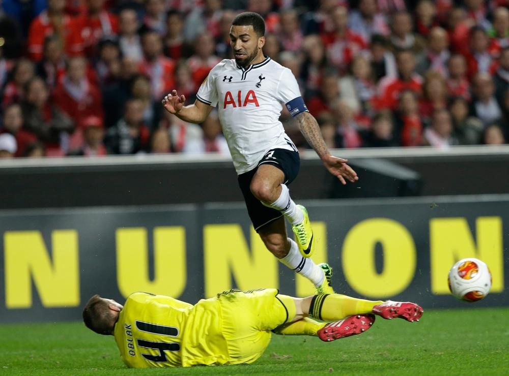 Tottenham winger Aaron Lennon linked with West Ham move