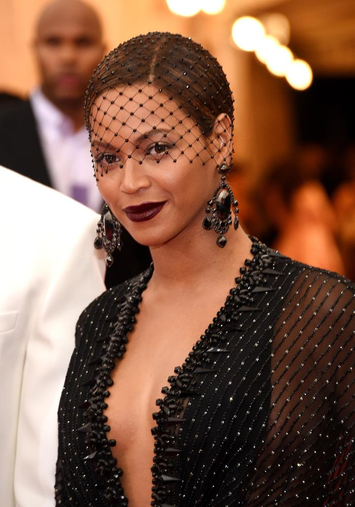 Met Gala makeup trends 2014: How to do bold red carpet lips like Beyonce and Joan Smalls