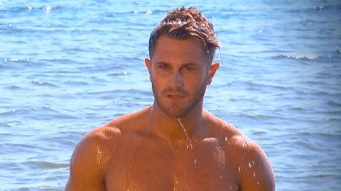 Ex On The Beach fans look away! Vicky Pattison kills the Ross Worswick dream in one fell swoop