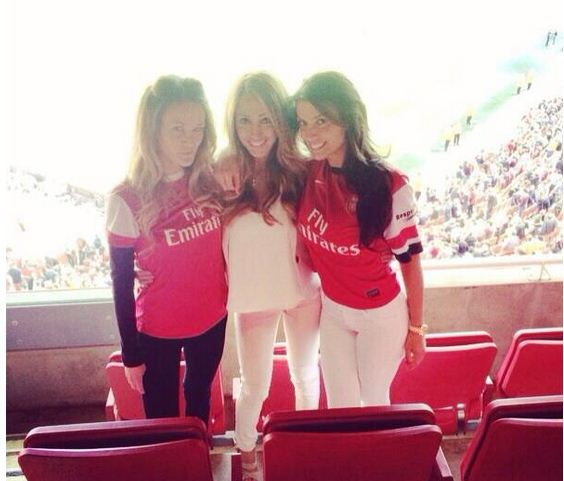 Bacary Sagna's wife tweets pictures pointing to Arsenal exit