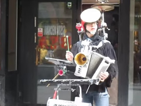 Here's that one-man band version of the Star Wars theme you never knew you wanted to hear
