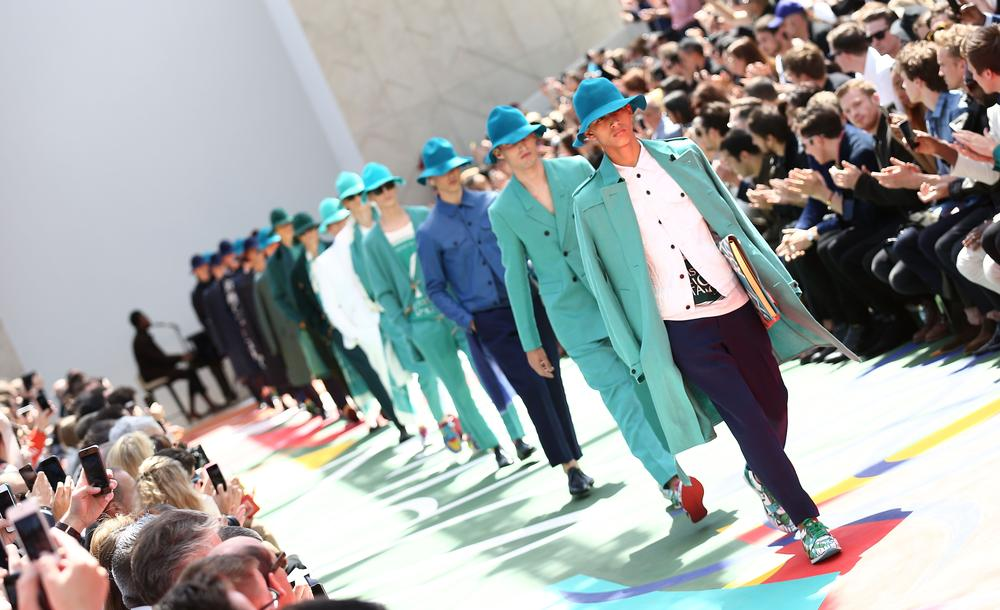 Burberry menswear celebrates the sun-weathered traveller for spring/summer 2015