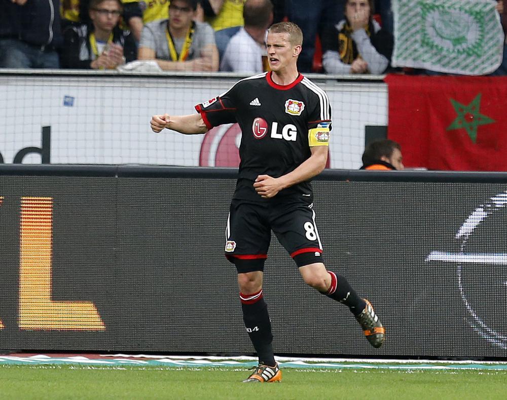 Arsenal set to make new £21million bid for Bayer Leverkusen star Lars Bender