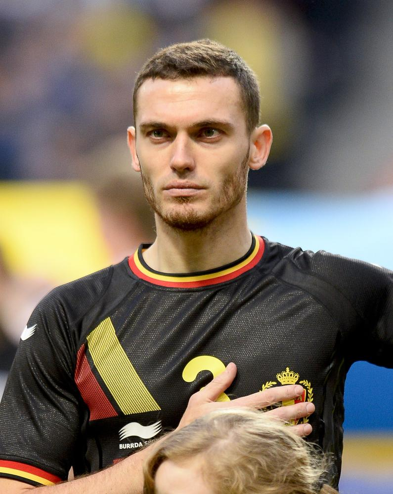 Manchester United's £15m swoop for Thomas Vermaelen could be acid test of Arsenal manager Arsene Wenger's popularity