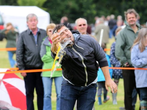 Pictures: World Egg Throwing Championships 2014
