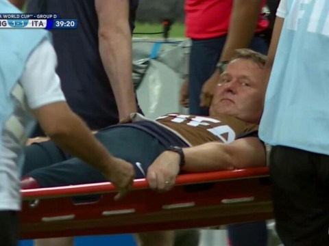 England physio Gary Lewin 'suffers ankle injury' whilst celebrating goal