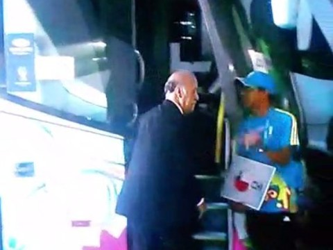 Awkward! Spain boss Vicente del Bosque tried to jump on Chile coach after embarrassing World Cup exit