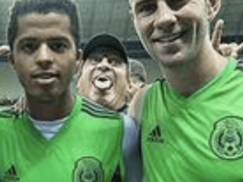 Mexico manager Miguel Herrea owns his players with best photobomb of all time