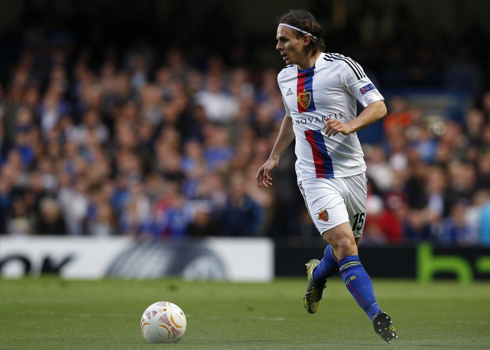 Felix Magath completes Fulham back four with Kay Voser signing