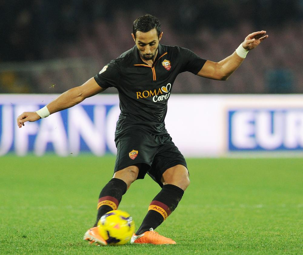 Chelsea, Tottenham and Manchester United all dealt blow in Mehdi Benatia chase