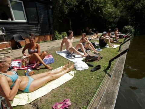 11 stupid things all Londoners do when we get prematurely over-excited about summer