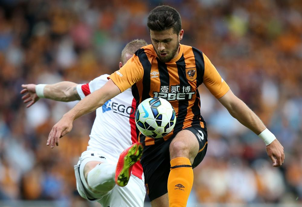 Southampton agree fee with Hull for Shane Long after Javier Hernandez rejection