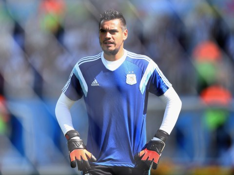 Sergio Romero's agent Mino Raiola arrives in England to finalise Liverpool transfer