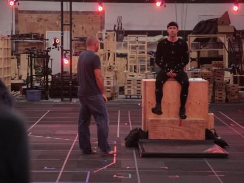 Ryan Reynolds wears his black pants in a behind-the-scenes look at that leaked Deadpool clip