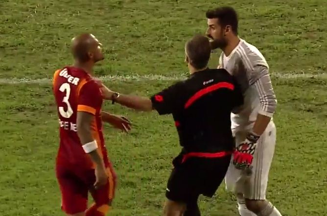 Felipe Melo misses penalty in Turkish Super Cup, Fenerbahce goalkeeper tries to jump over his head