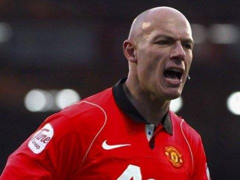 Howard Webb retires from refereeing – Twitter can't make enough Manchester United jokes