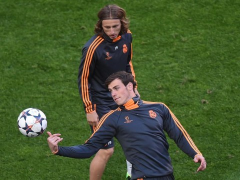 Gareth Bale smacks Luka Modric in face with ball during Real Madrid training